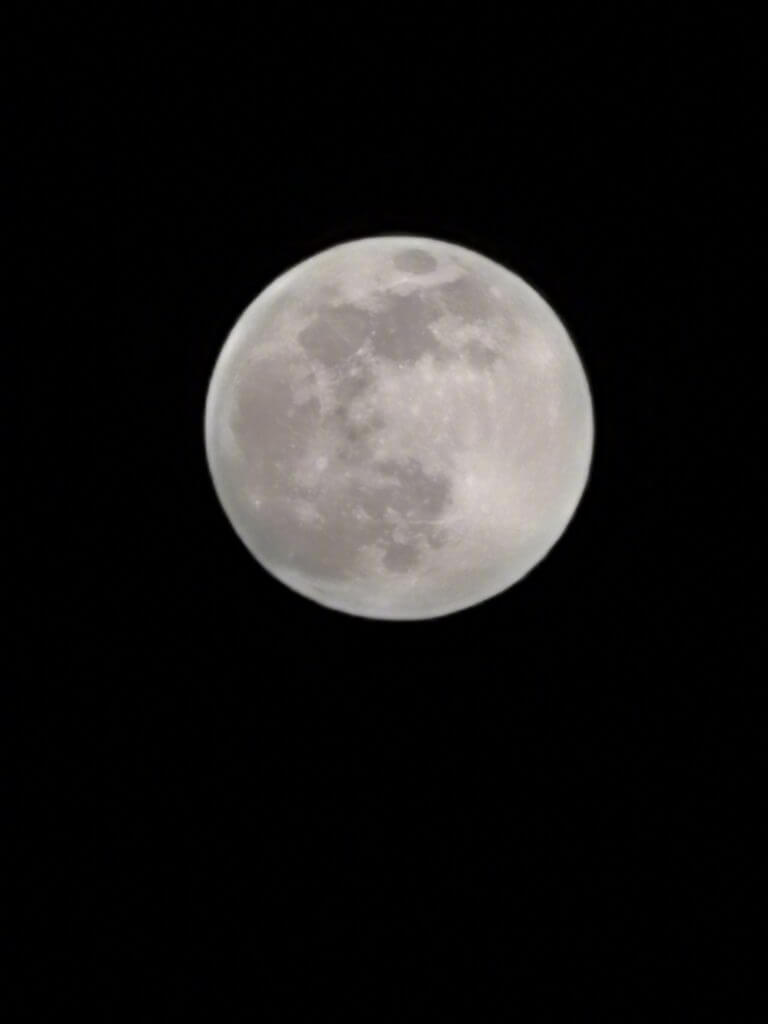 Honor 30 Pro Super Moon Periscope Camera Sample