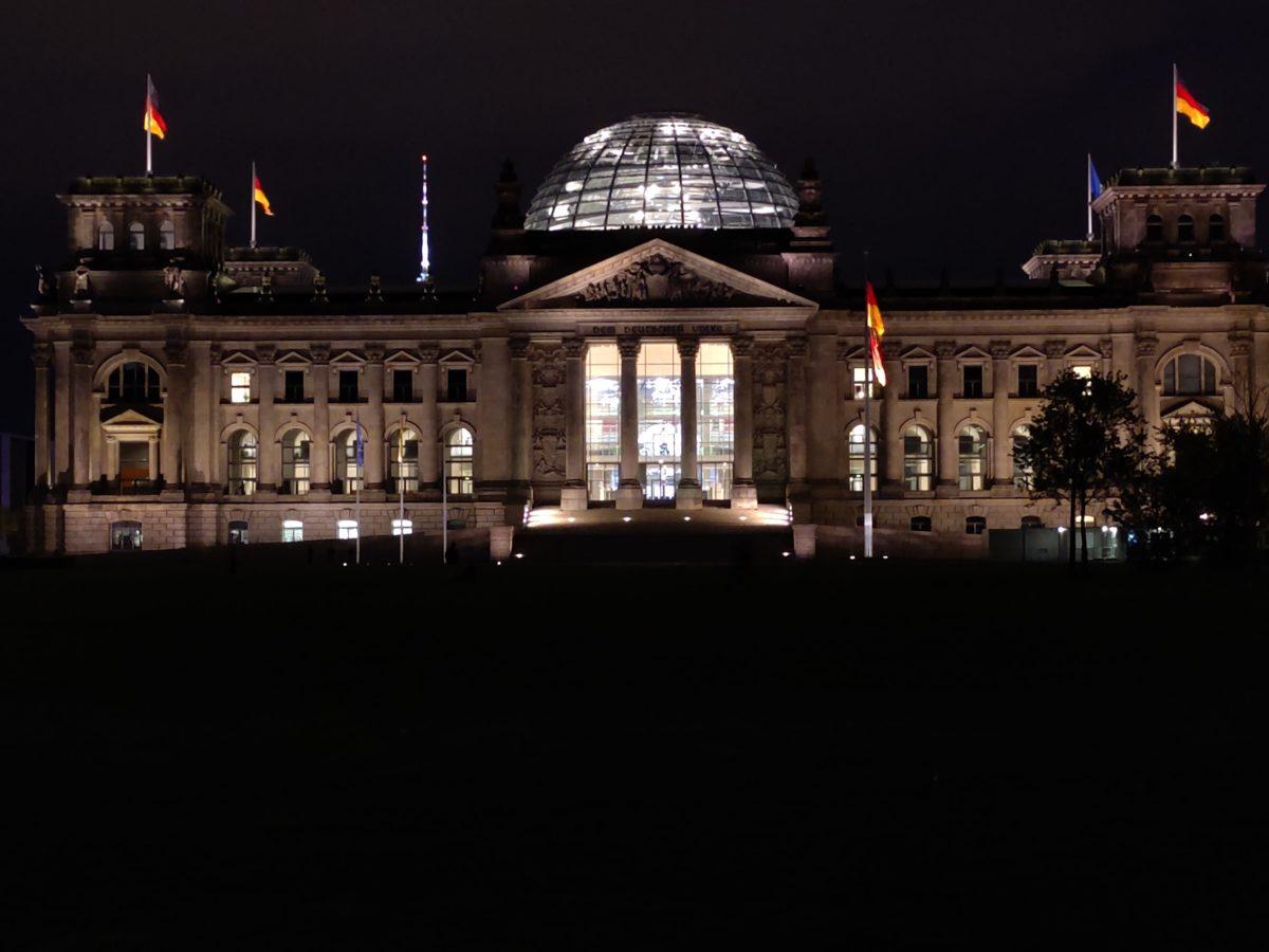 OnePlus 8 Pro Reichstag Zoom